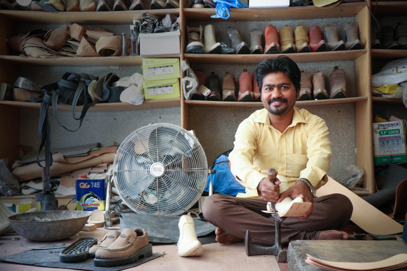 Help Majeed expand his shoe store.