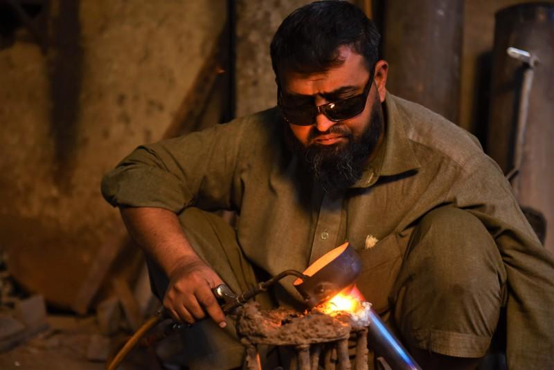 Help Rehman weld a bright future