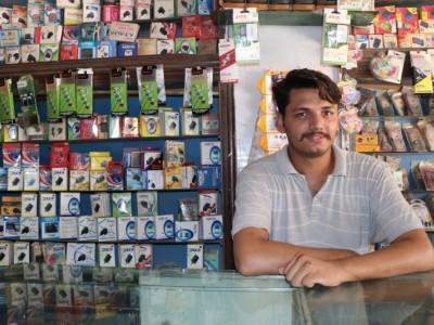 Help Yasir restock his mobile shop