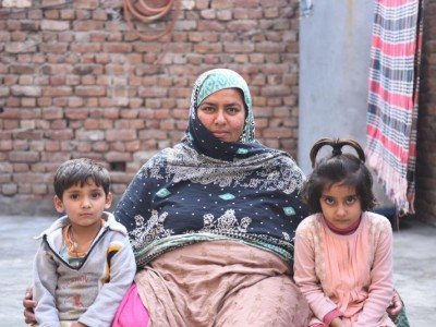 Help Sadia in affirming her financial grounds